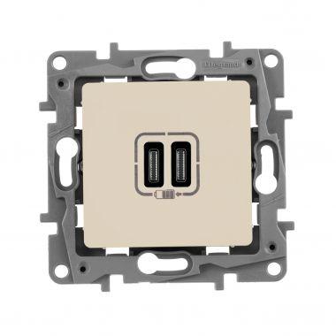 Зарядное устройство с двумя USB-разьемами тип C-С 240В/5В 3000мА Etika слоновая кость Legrand