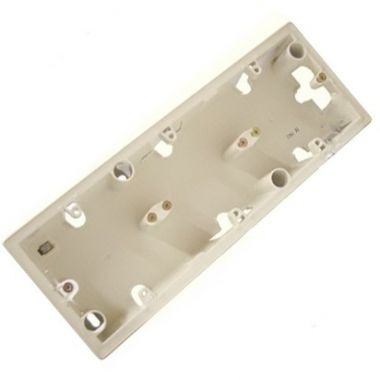 Коробка Valena 3-постовая для накладного монтажа слоновая кость Legrand